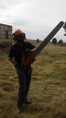 Click image for larger version.  Name:Bigchainsaw.jpg Views:52 Size:25.7 KB ID:13776