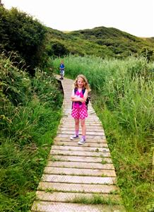 kids-in-reedbeds